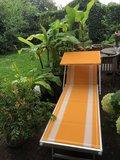 """Aluminium ligbed """"Maxi"""" met zonneklep en amber bekleding met witte banen (Trevally)_"""